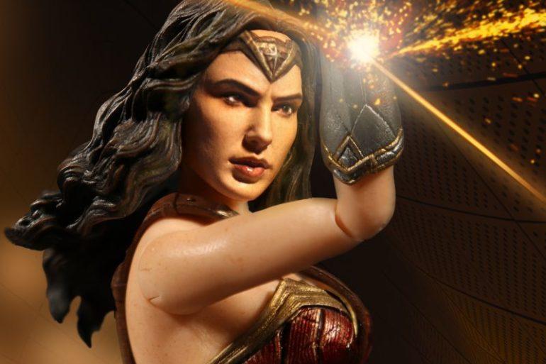 Mezco Wonder Woman 1